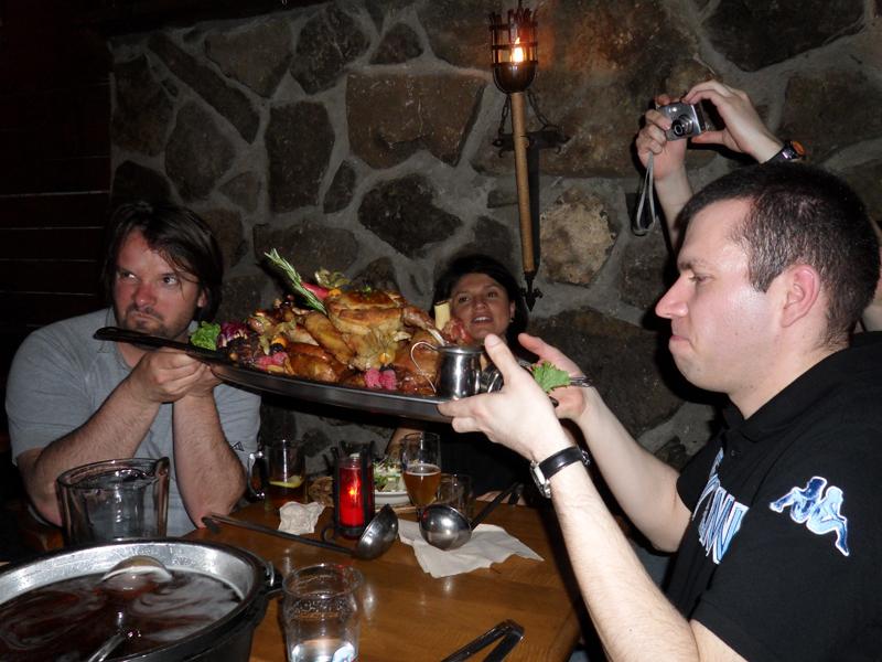 Cuisine Rouge Avec Bar : Soyons francs, c'est trop même à 5 !